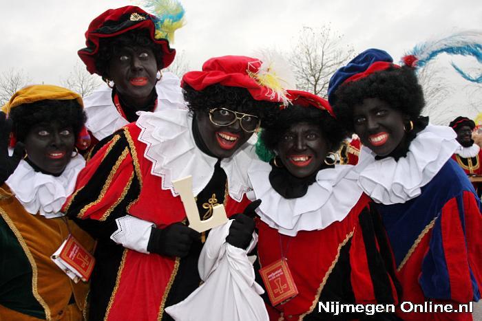 Sinterklaas-intocht-13-november-2010%20084-X